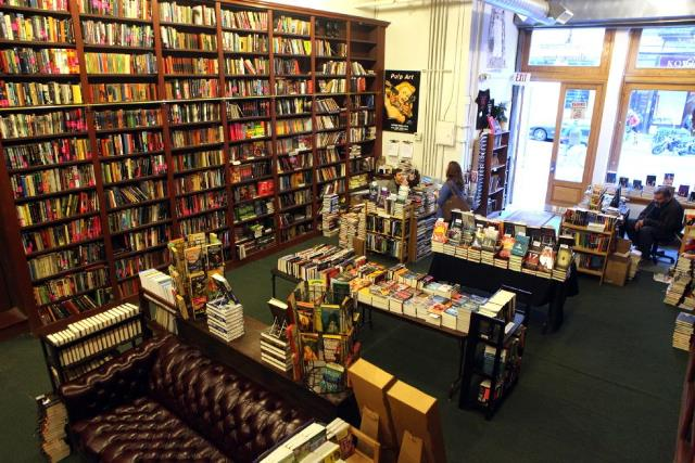 mysterious bookshop5